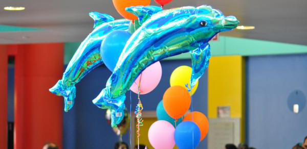 10bet Dolphin shaped balloons